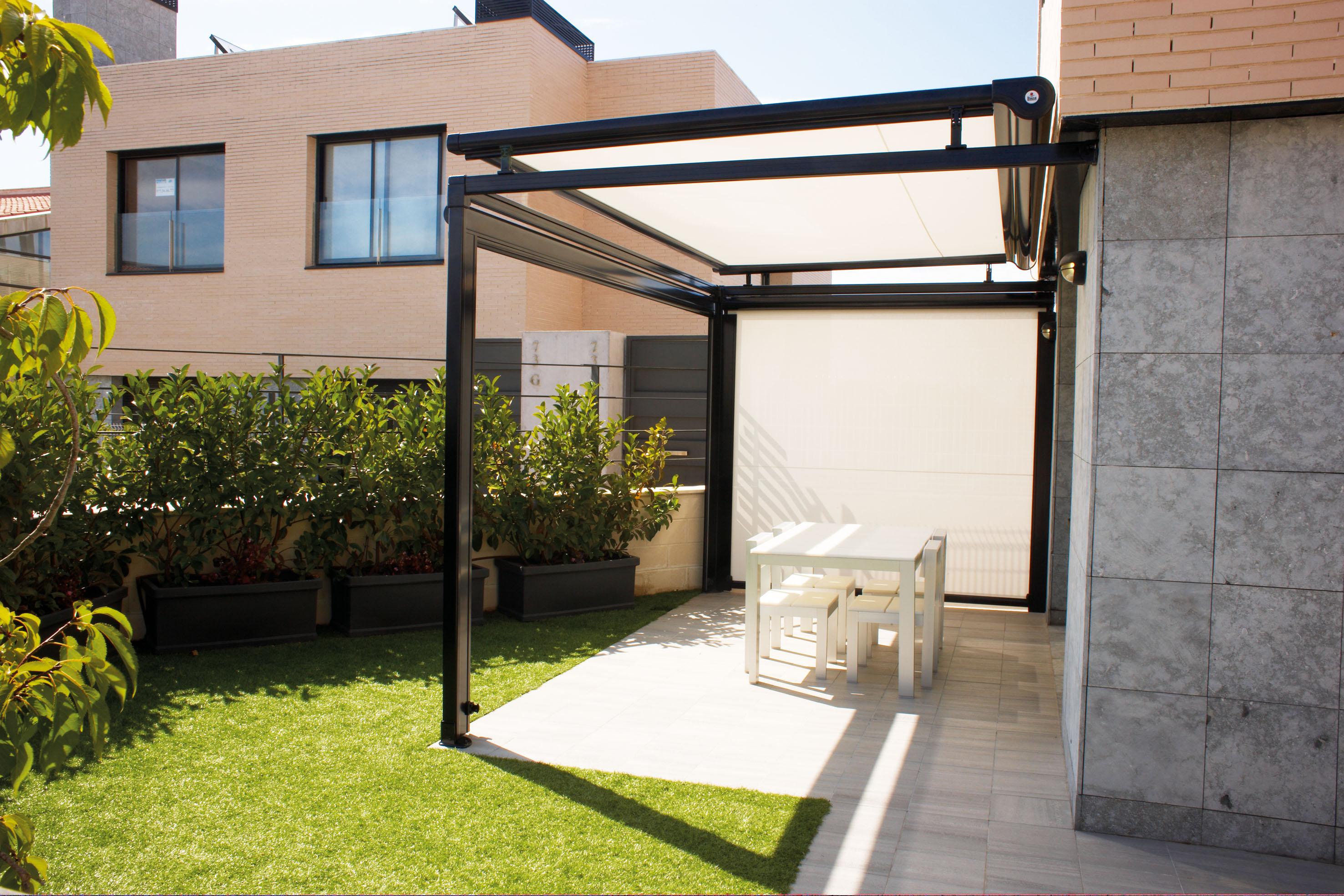 P rgolas verandas y cenadores toldos apolo for Estructuras de hierro para casas